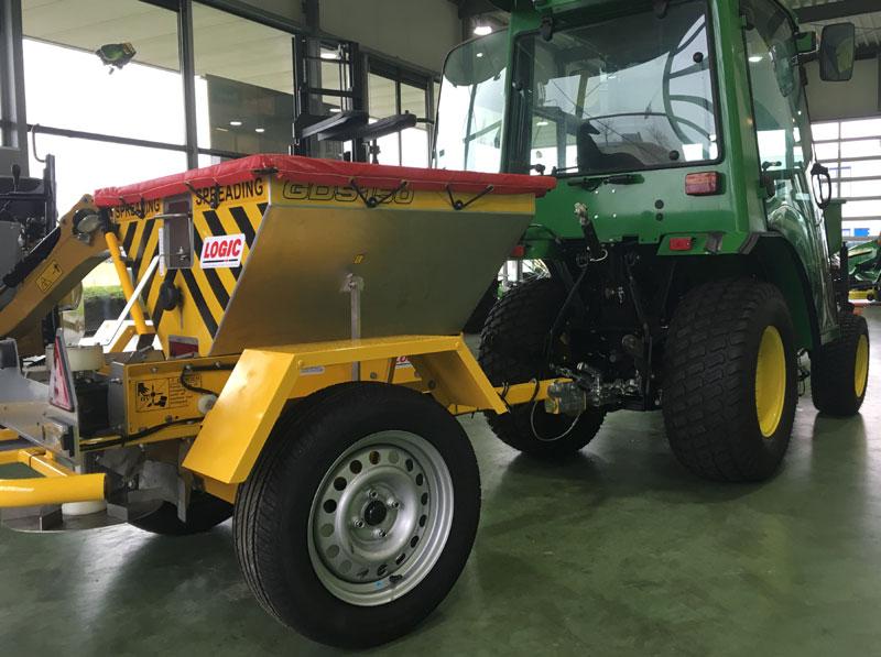 Zoutstrooier-tractor